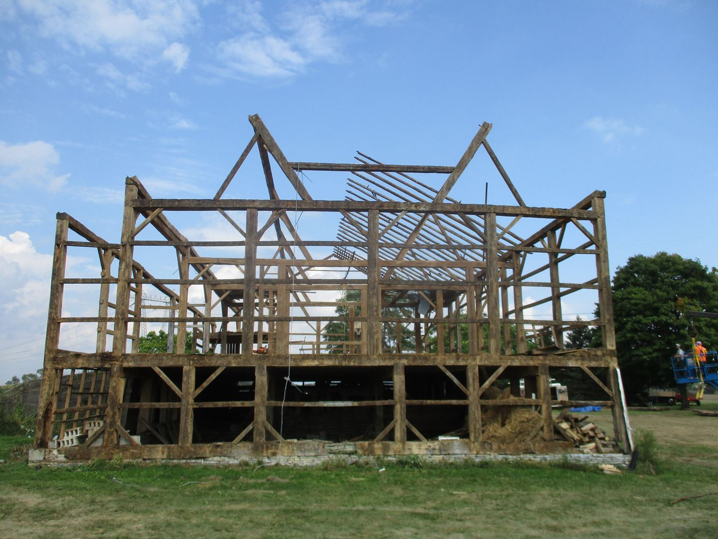 Bluffton Allen Historic Barn Frame 24