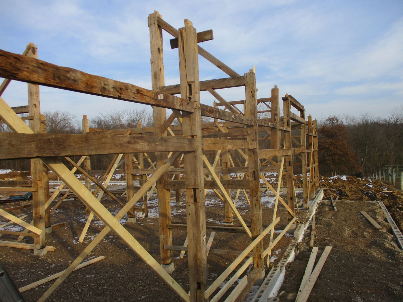 Coonpath Barn Frame Reassembled Ohio Valley Barn Salvage 4