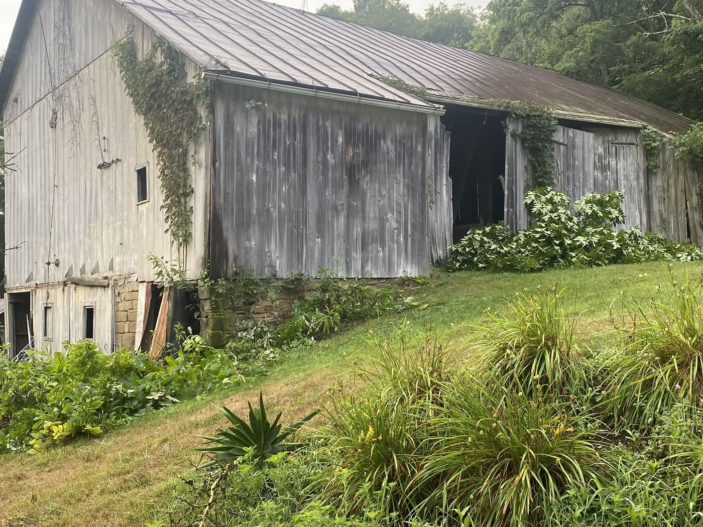 Hugon Barn Frame Ohio Valley Barn Salvage 1.JPG