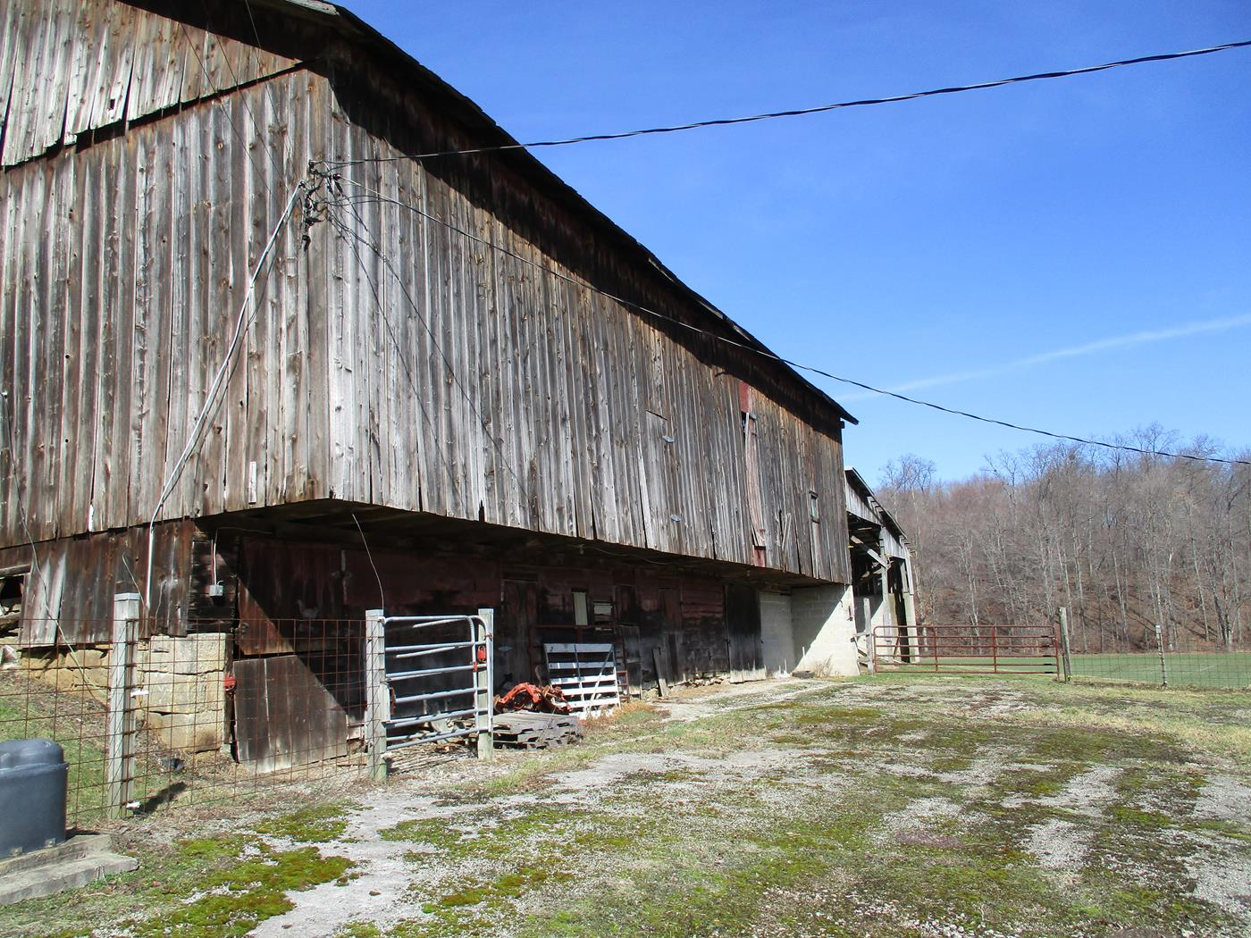 Parker Family Barn Frame - Ohio Valley Barn Salvage - Barn ...